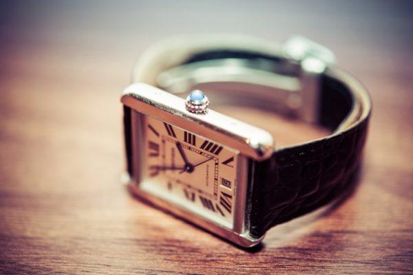 ヨドバシカメラにおける時計の電池交換の料金・値段は?